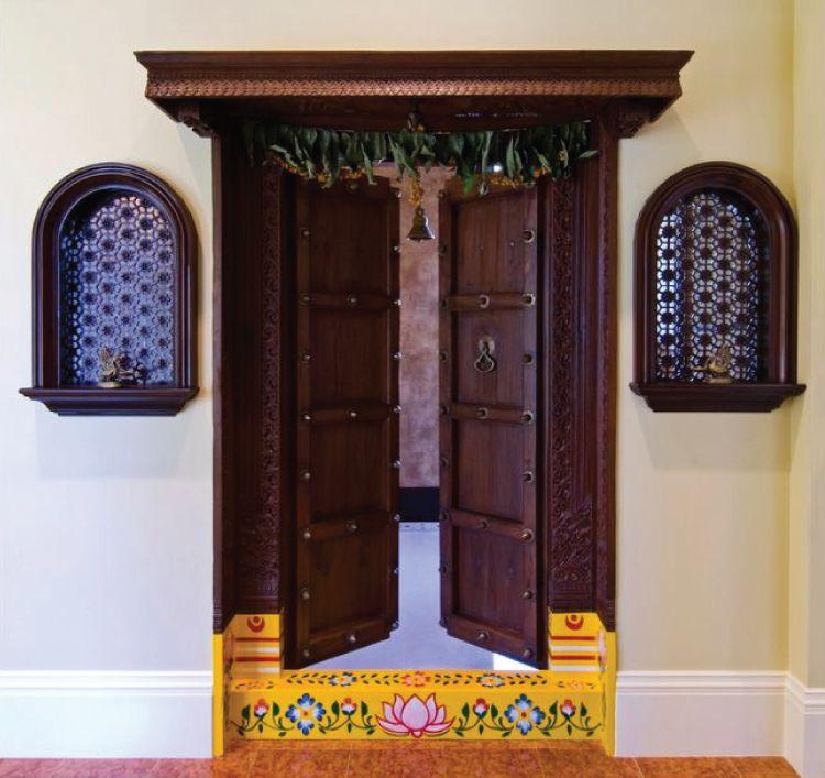 Door design ideas_traditional indian door