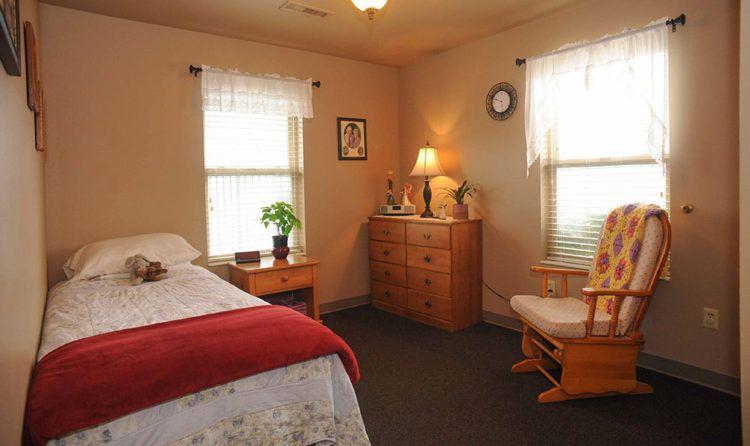 Alzheimer friendly bedroom
