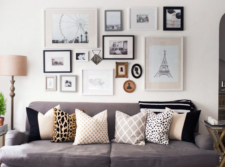 Remember to leave gaps between art pieces to create an arresting wall art gallery.