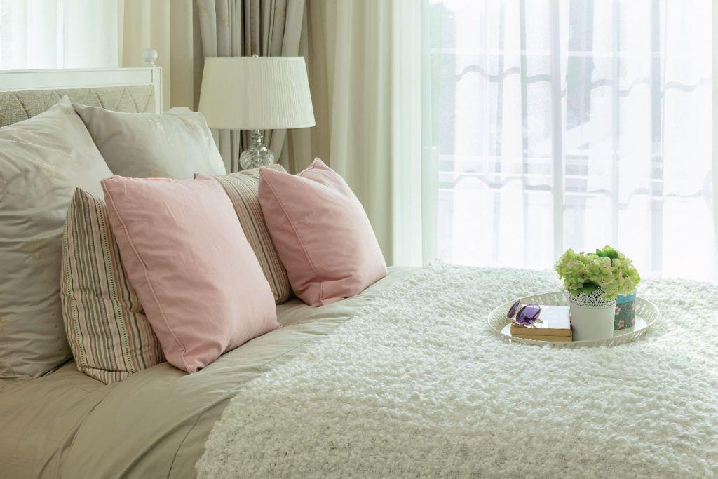 Sexy Bedroom Ideas _Flower Arrangements