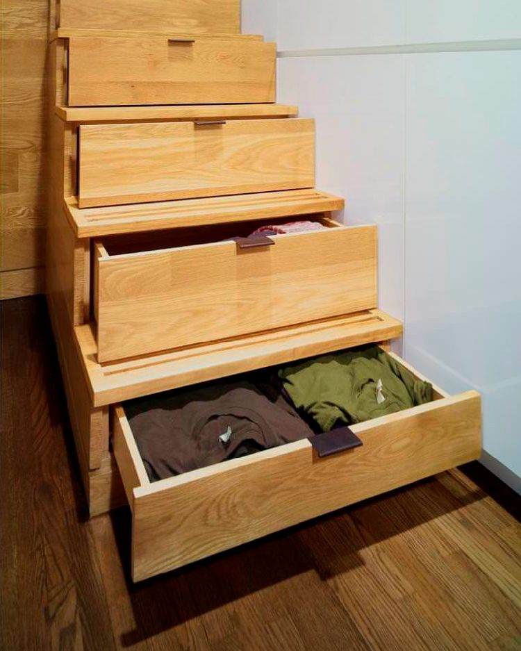 Hidden storage in stairs to conceal clutter