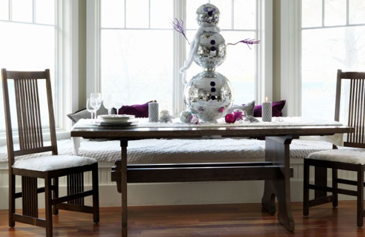 7 Christmas Decorating Ideas That Are Not Red or Green