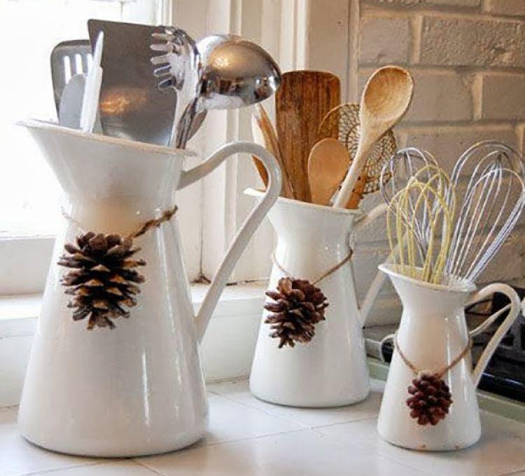 Christmas decorating tips-kitchen décor-pinecones