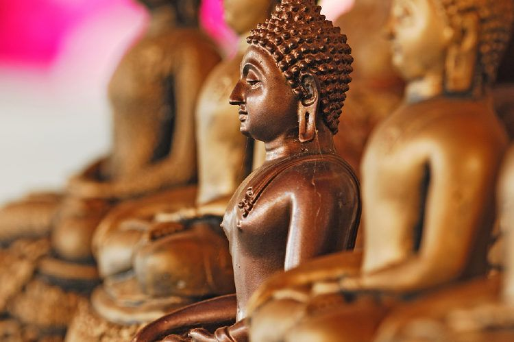 Keep your copper idols sparkly with our simple pooja room cleaning tips.