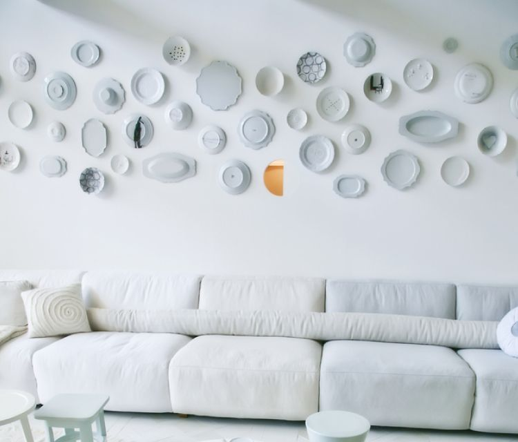 Low budget decor ideas_hang plates