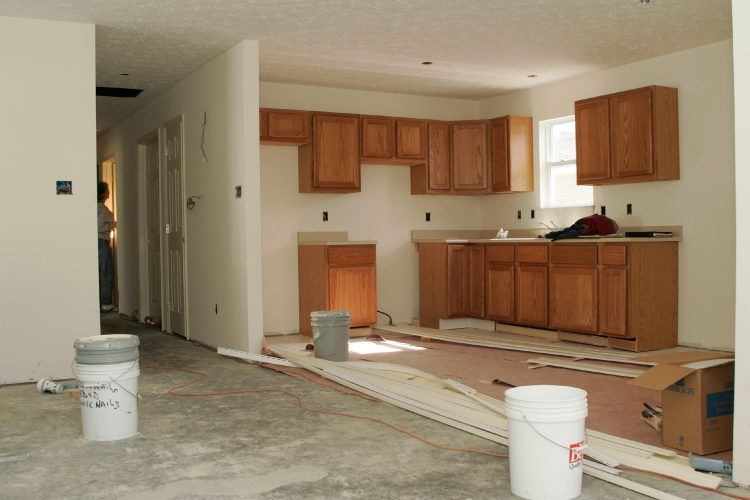 Modular kitchen vs carpenter-made kitchen_kitchen under construction