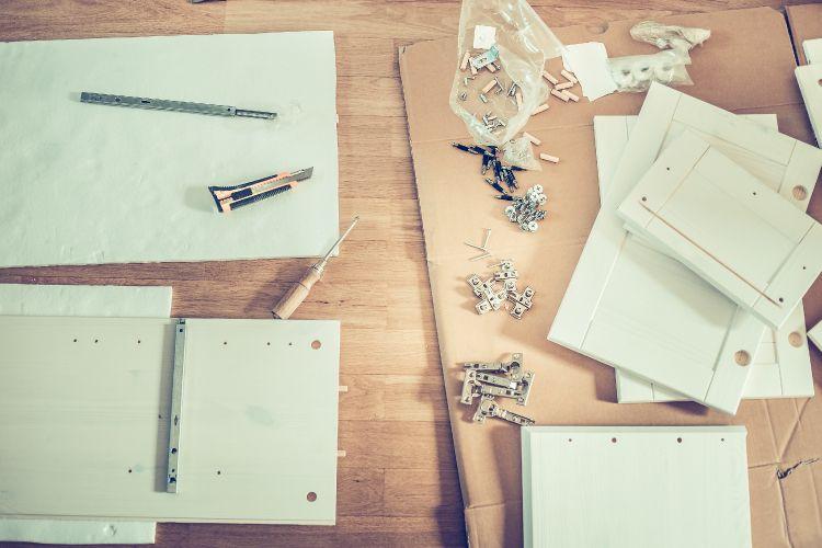 Modular kitchen vs carpenter-made kitchen_building material