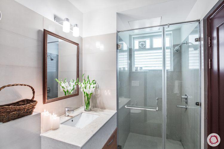sink-mirror-light-shower-cubicle-flower