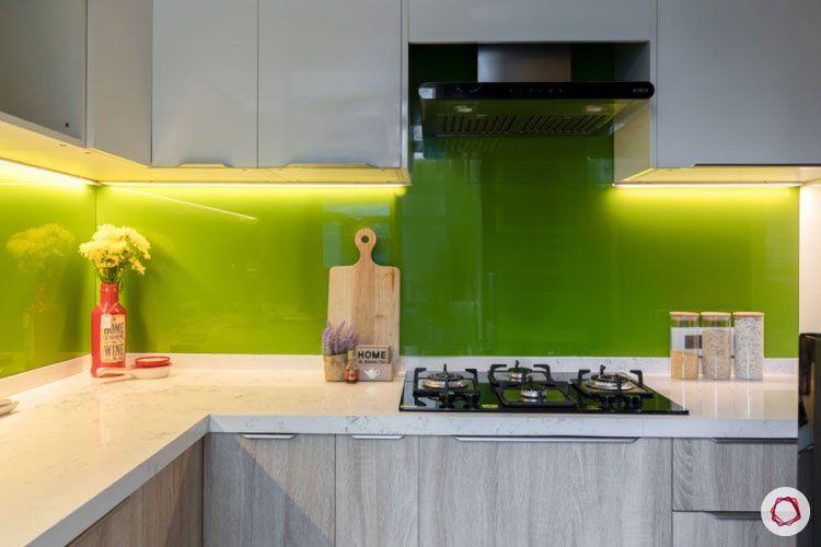 Small home design_kitchen full view with glass backsplash