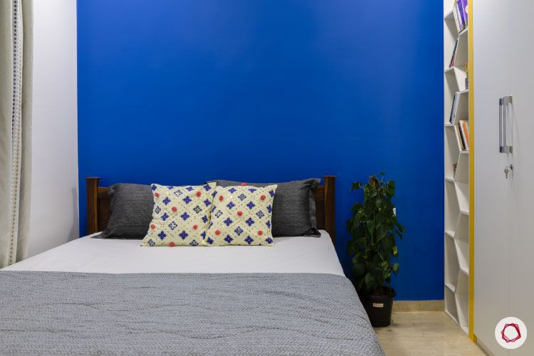 Small home design_sons room blue wall