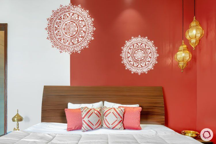 indian-home-decor-bedroom-red-wallpaper