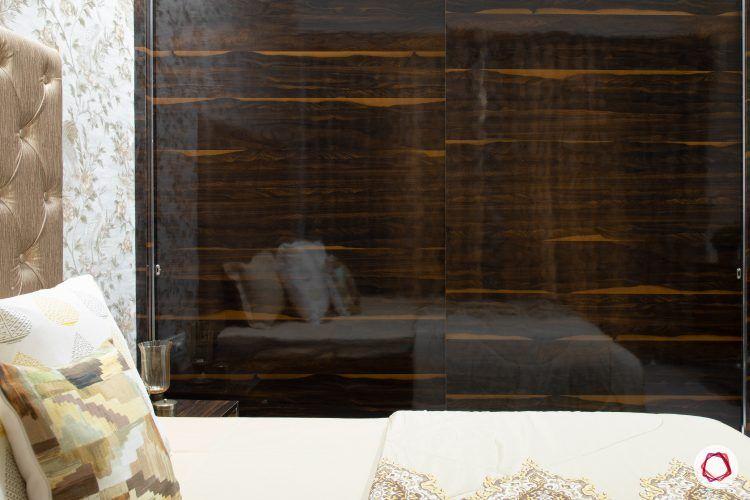 indian-house-design-gold-black-wardrobe