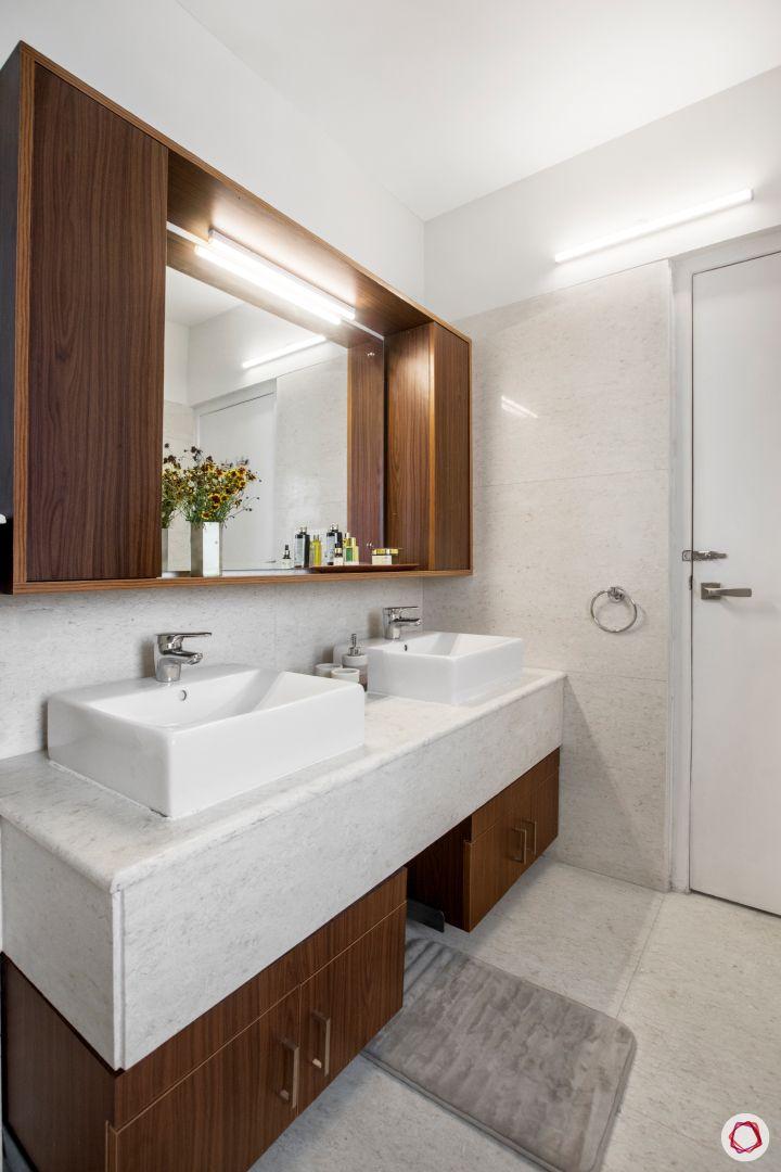 Mirror vastu_bathroom