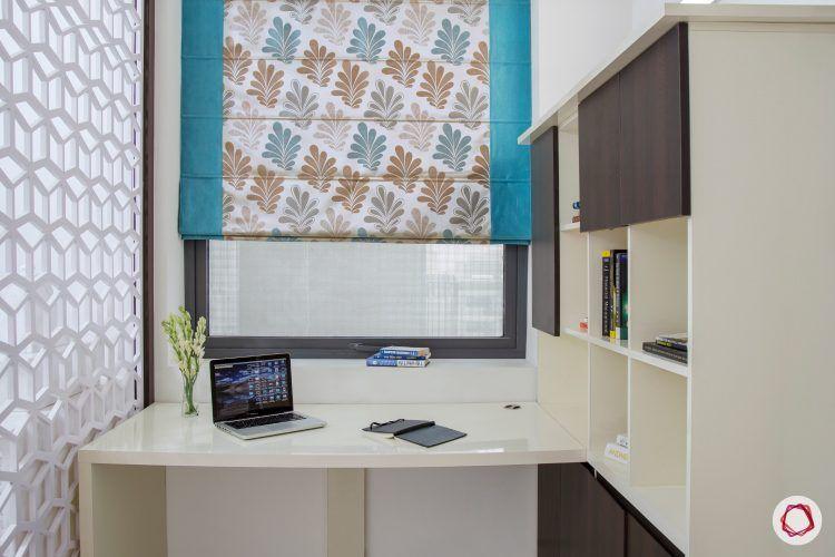 4bhk-house-study-table
