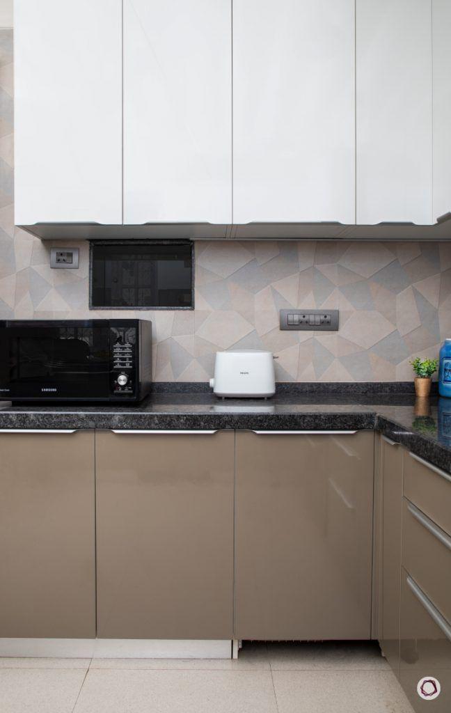home renovation  kitchen white cabinets