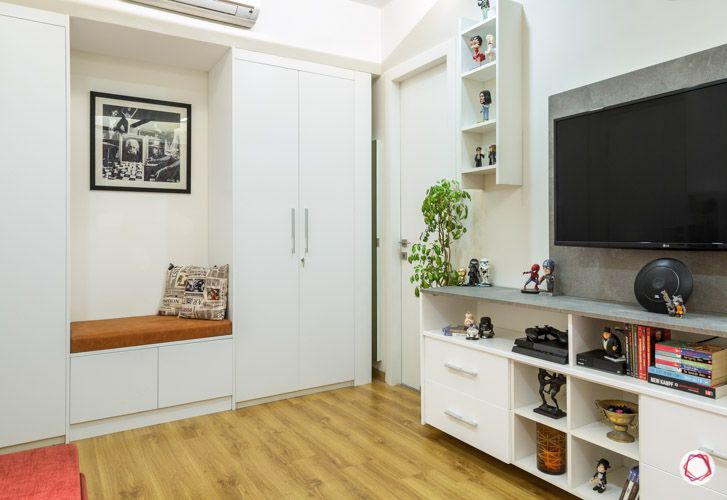multi-functional living spaces_entertainment room