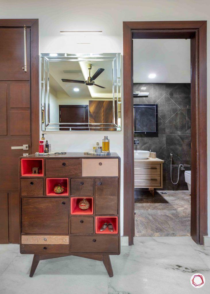 Flats in Delhi_master bedroom dresser
