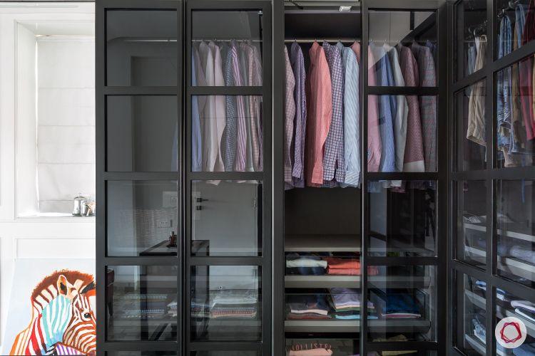 Room decor_glass closet