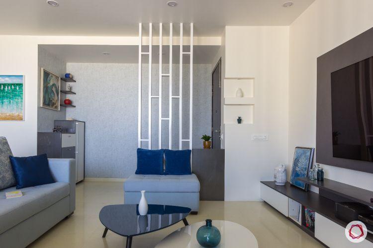 house photos-living room sofas-partition