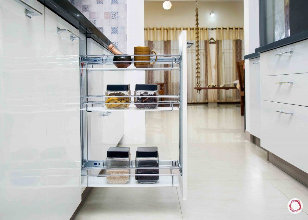 Kitchen cupboards_retracting drawers