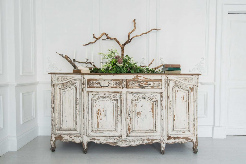 How to make your old furniture look good_dull and scratches