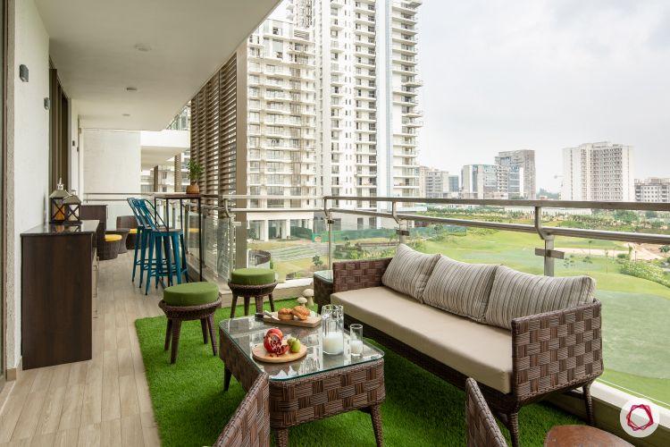 Beautiful home interiors_balcony with bar