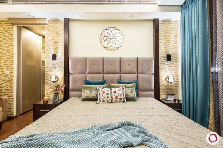 Beautiful home interiors_bed close up