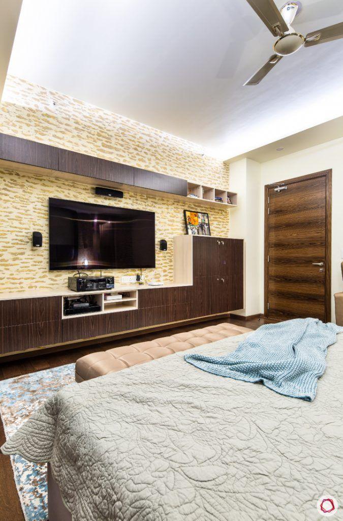 Beautiful home interiors_master bedroom tv unit