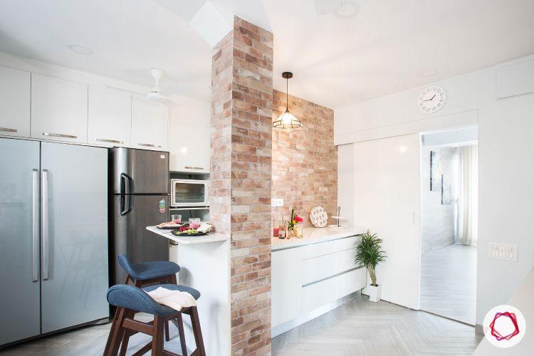 Bachelor pad_exposed brick wall
