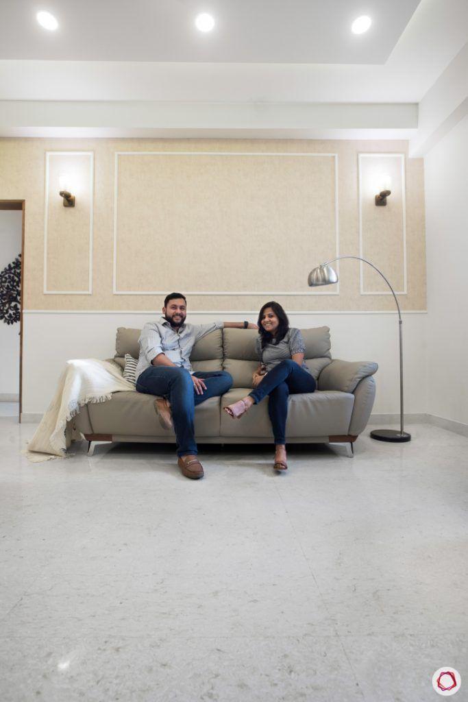 minimalism-wall moulding designs-grey sofa designs-floor lamp designs-scandinavian decor
