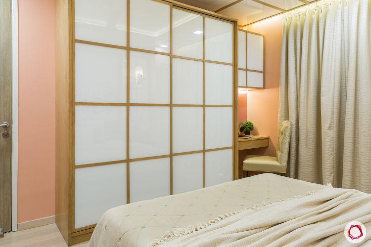 master-bedroom-japanese-wardrobe-study-table-pink-wall
