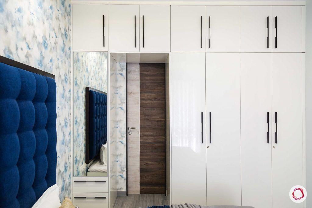 bedroom-white-wardrobe-mirror-wallpaper