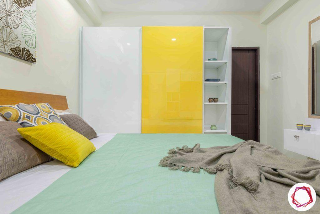 wardrobe-styles-yellow-white-standalone-shelves-bed