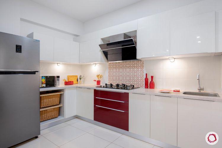 membrane vs laminate-white-red-kitchen-wicker-baskets-fridge-chimney-sink