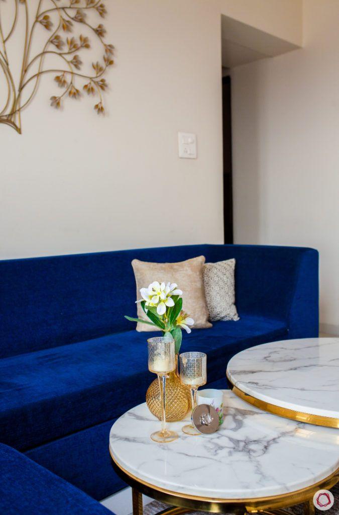akshar elementa-plain walls-table decor-marble top table