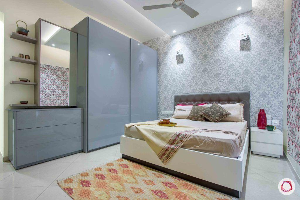 bedroom-printed-wallpaper-rug-wardrobe
