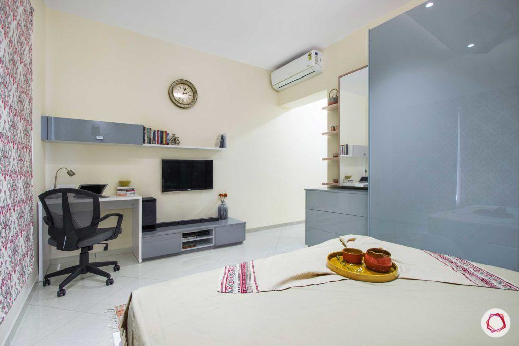 bedroom-printed-wallpaper-rug-wardrobe-TV-unit
