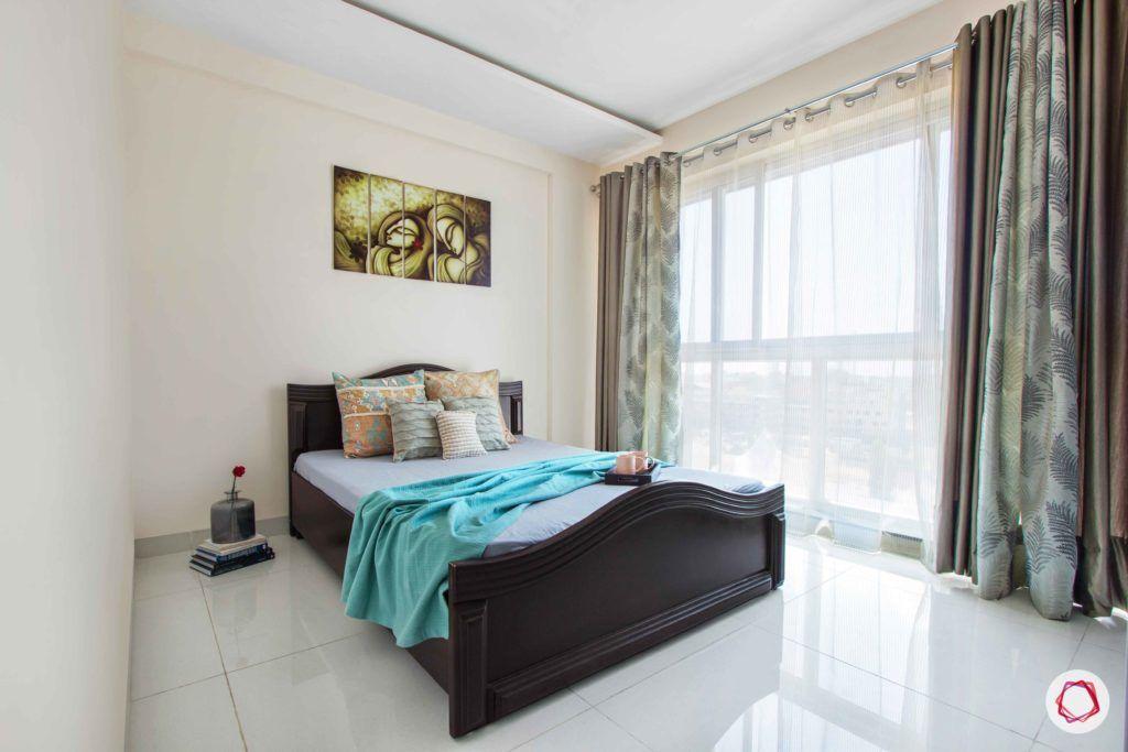 snn raj greenbay-guest bedroom-simple room-sheer drapes