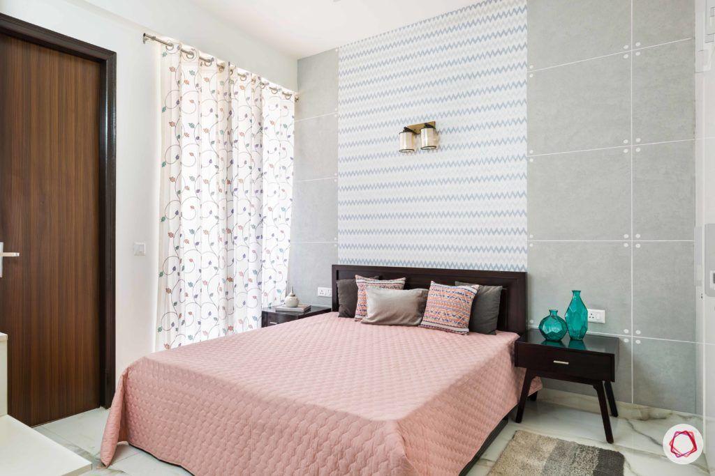 parents-bedroom-grey-wallpaper-paint-chevron