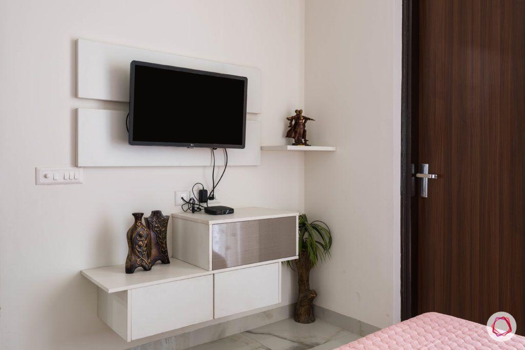 parents-bedroom-TV-panel-white-laminate