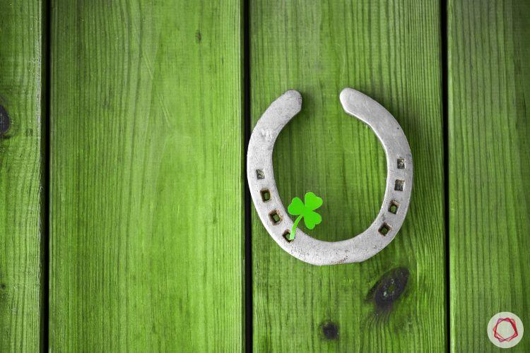 vastu shastra for house_horseshoe_green door