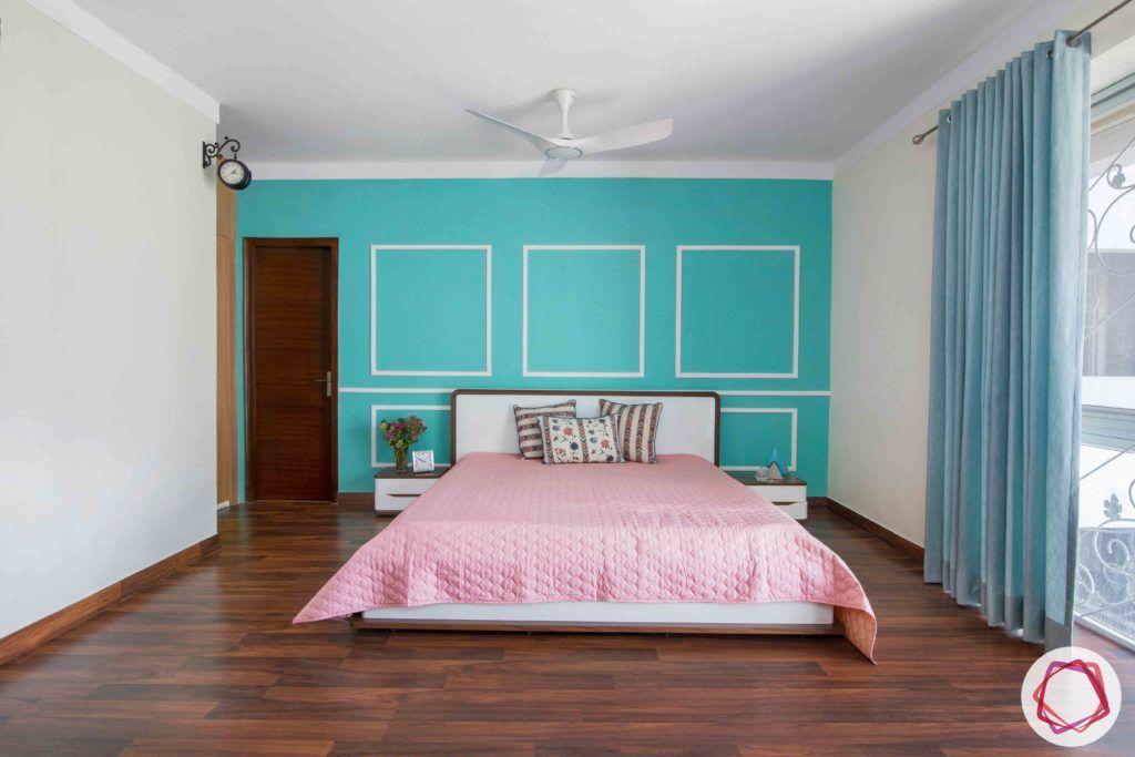 bedroom-girl-teal-wall-jali-wooden-floor-clock