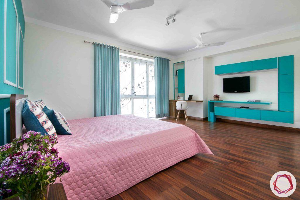 bedroom-girl-teal-wall-jali-wooden-floor-TV