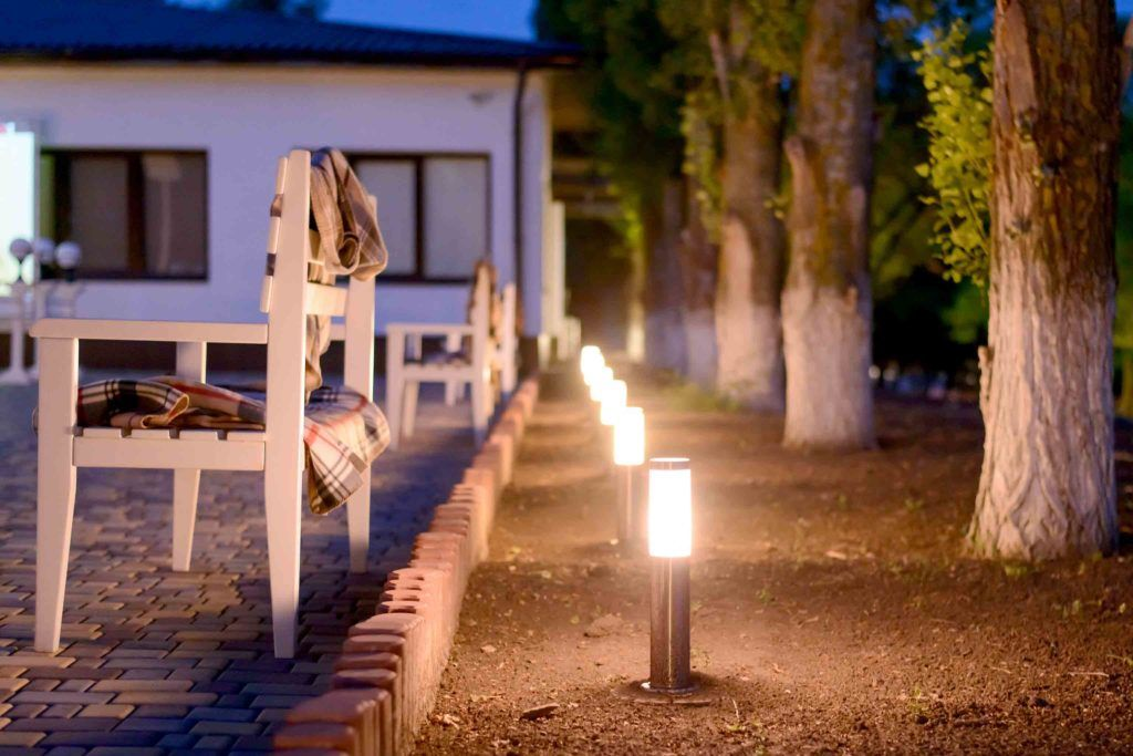 garden lights-bollard light-garden-dark garden
