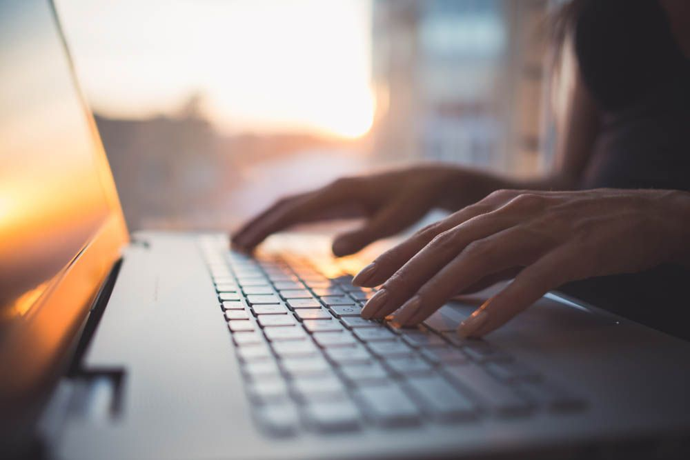 home cleaning tips-computer keyboard-keyboard keys-laptop keyboard