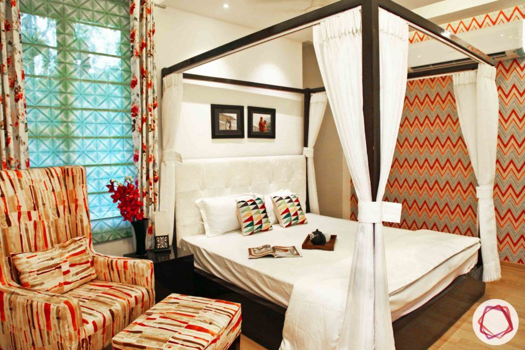 dream room-red wallpaper ideas-four poster bed designs