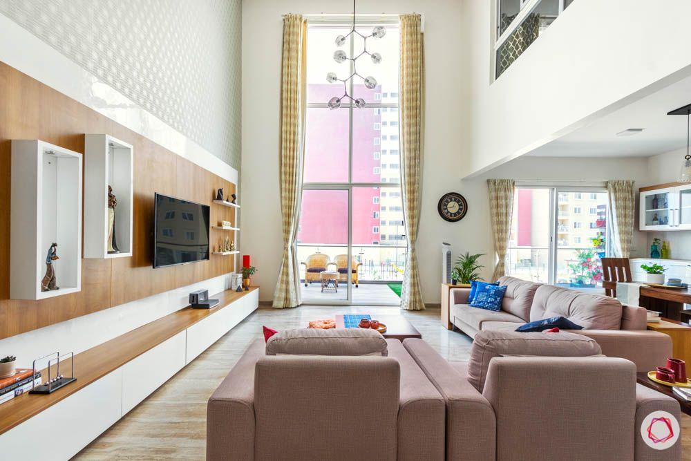 floor-to-ceiling window designs-beige sofa designs