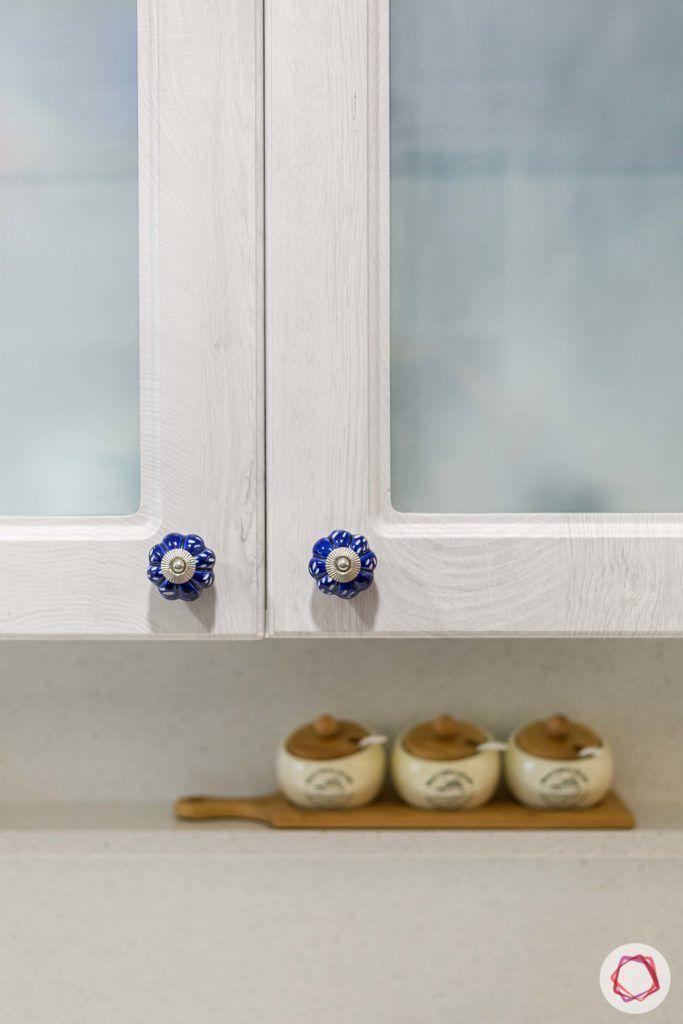 kitchen handles-artistic knobs-kitchen cabinets