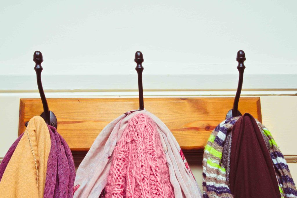hooks-wardrobe-door-clothes-scarves