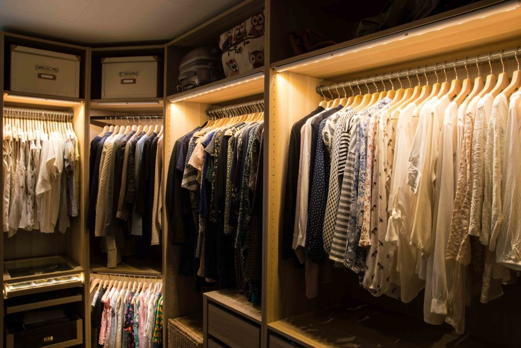 wardrobe-lighting-shirts-tops-clothes-boxes